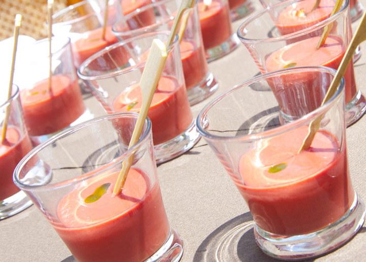 Gazpacho de cerezas con bogavante asado