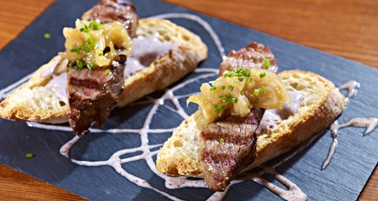 Jard n catering appetizer - Solomillo de ternera al horno con mostaza ...